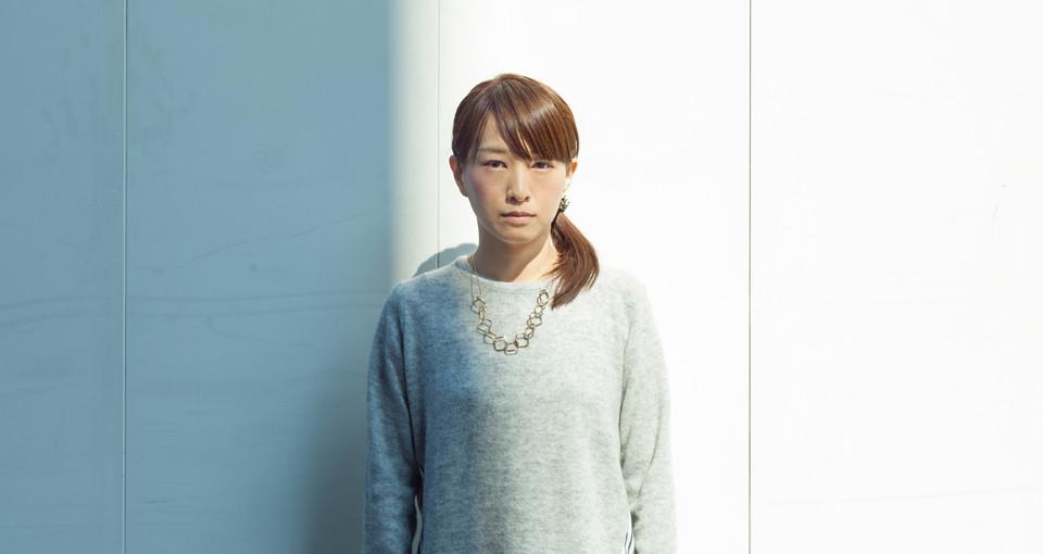 美術作家・大槻香奈が4年越しに語る、個展『乳白の街』